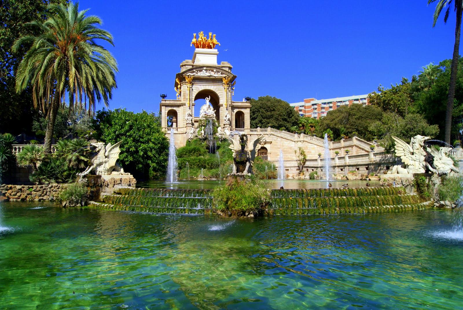 Top 6 Parks in Barcelona - Font de la Cascada in Parc de la Ciutadella